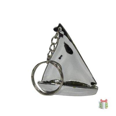 Zeilboot sleutelhanger een goedkoop bedankje