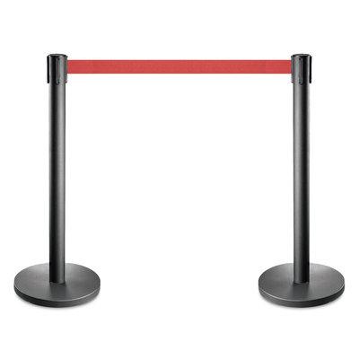 Set zwarte afzetpaaltjes met rood of een andere kleur trekband
