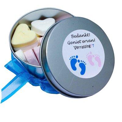 Babyshower bedankje- rond blikje gevuld met snoepjes